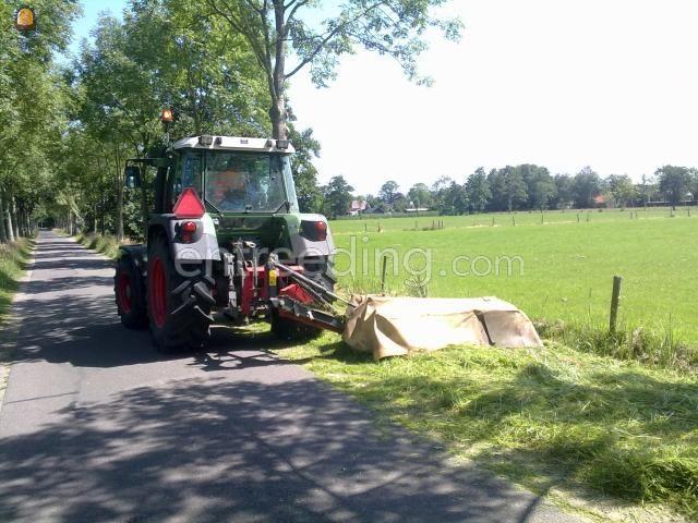 Tractor + schotelmaaier Fendt + Vicon CM 1700