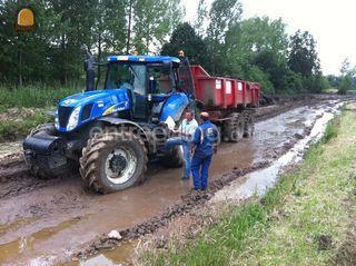 Traktor met dumper Omgeving Antwerpen