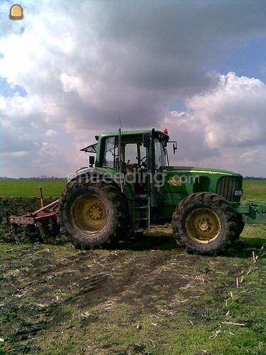 Tractor Trekker met Cultivator