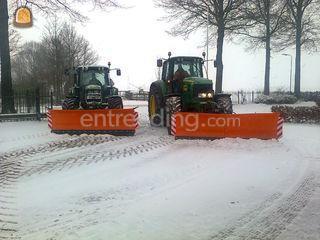Sneeuwschuif aan trekker Omgeving Maarssen
