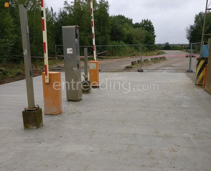 inrichting parkings, plaatsen straatmeubilair en signalisatie