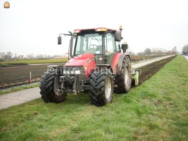 Tractor + grondfrees Case + frees