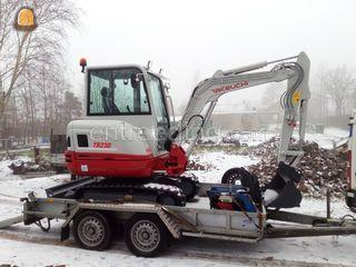 Takeuchi TB230 E (3 ton) Omgeving Zoetermeer