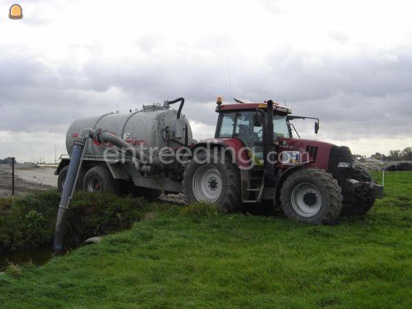 Tractor + waterwagen tractor + Jako waterwagen