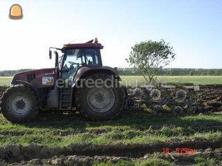 Tractor + ploeg Omgeving Leiden