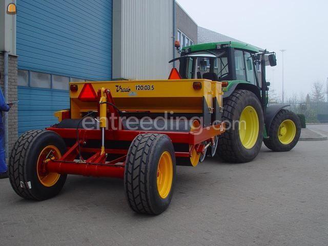 Tractor Tractor met Vredo doorzaaimachine