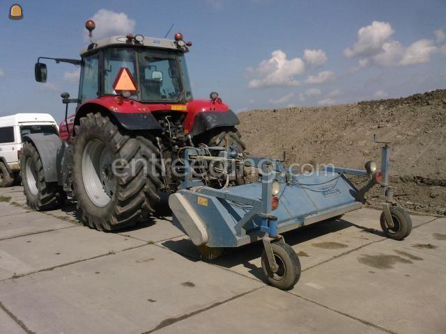 Tractor + veegmachine AP