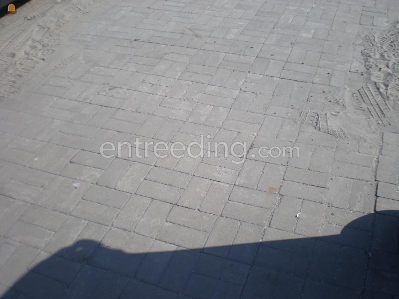 Betonstraatstenen / betonklinkers / bkk's BKK 's