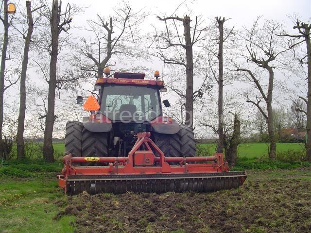 Tractor + grondfrees Case IH JX100U  + Cellifrees