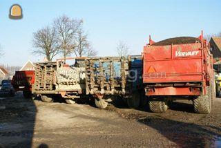 tractoren + mestverspreid... Omgeving Goes