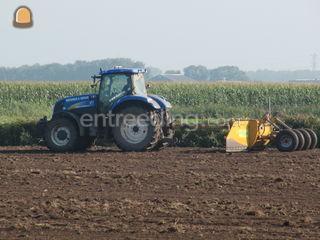 Tractor met kilverbak Omgeving Drachten
