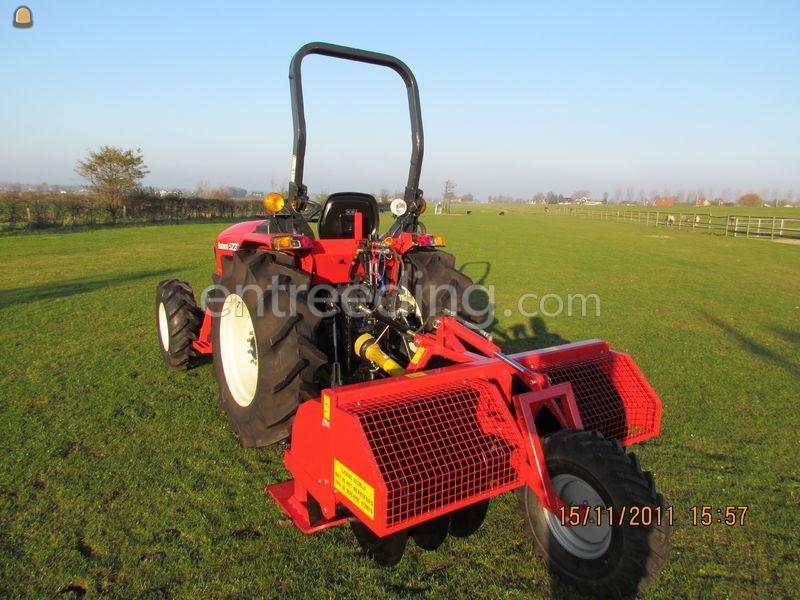 Tractor + kettinggraver Branson 4720
