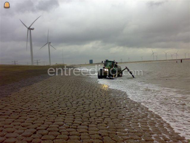 Tractor + waterwagen TREKKER + WATERWAGEN