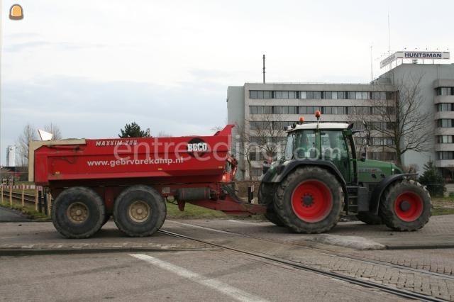 Tractor + kipper Fendt + Beco