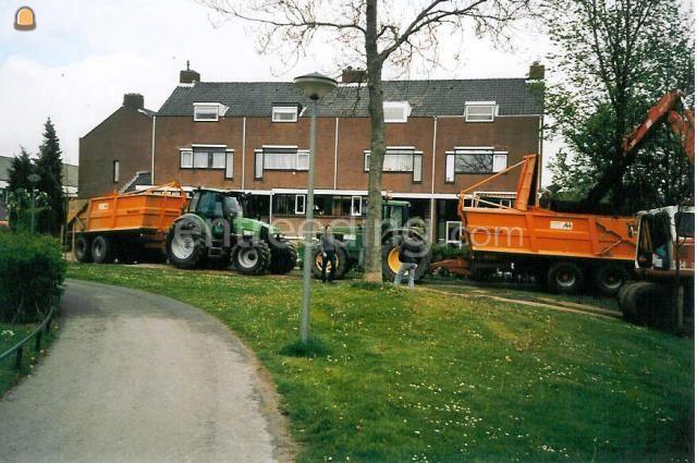 Tractor + kipper John Deere 6900 + Veenhuis afgesloten baggerkipper