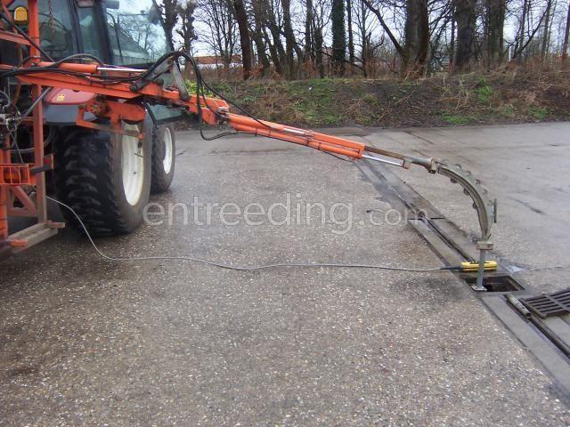 Tractor + drainage/ rioleringsreiniger Newholland-homburg drainreiniger