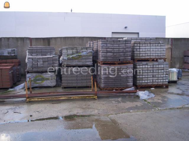 Betonstraatstenen / betonklinkers / bkk's klinkers nieuw/gebruikt