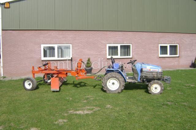 Tractor + kilver Iseki TM 223 + trekkerschuif