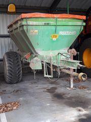 Tractor + granulaatstrooi... Omgeving Kempen