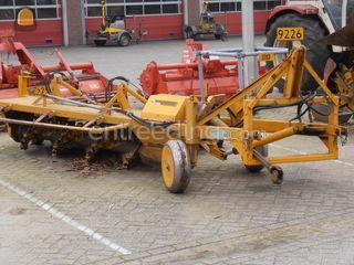 Tractor + walkantfrees Omgeving Kempen