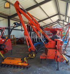 Uitgelezene Wegenbouw.be - Tractor + aanbouwheggenschaar Te huur met bediening. WO-88
