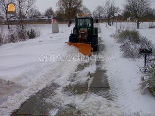 sneeuwschuiven met trekke... Omgeving Schagen