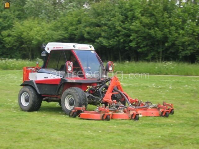Tractor + schotelmaaier Reform H7 + Cirkelmaaier