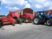 Tractor + balenpers rechthoekig newholland D1210S en BB960