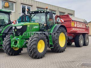 John Deere 6175R + Beco M... Omgeving Roosendaal