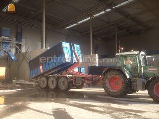 Tractor + carrier Omgeving Middenmeer
