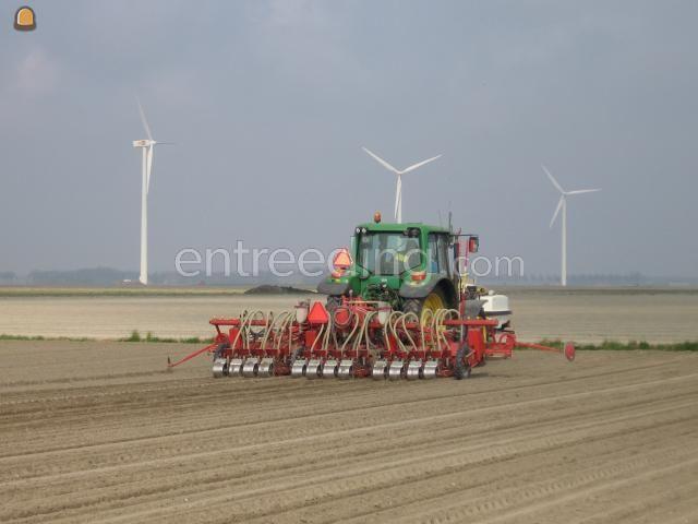 Tractor + zaaimachines Accord Uien zaaier