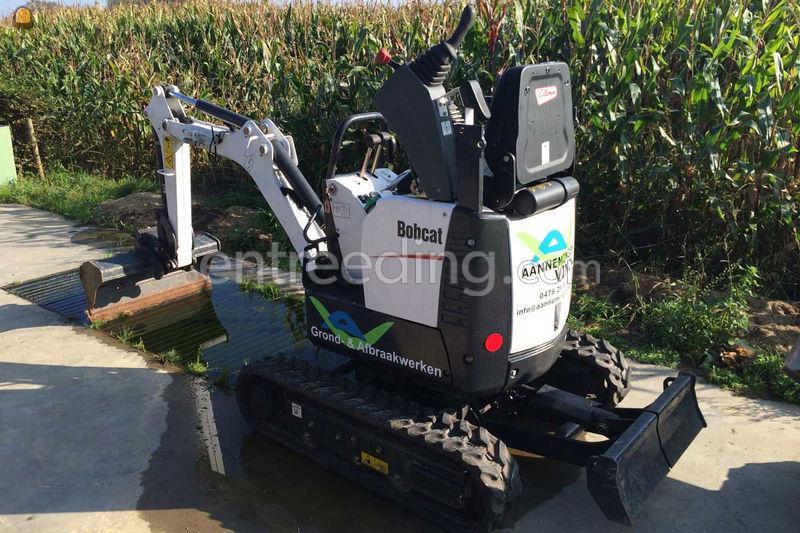Wegenbouw.be - Minigraver / midigraver Bobcat E10 Te huur met bediening. 51754855