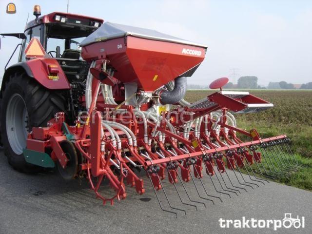 Tractor + rotorkopeg + zaaimachine Case + zaaicombinatie