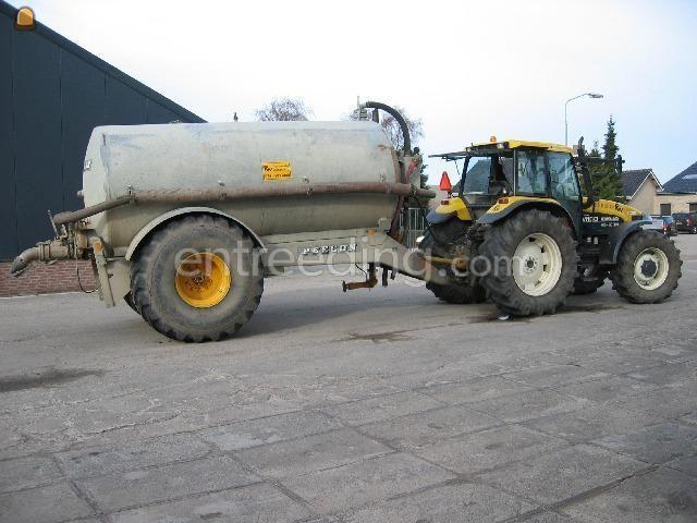 Tractor + waterwagen Peecon