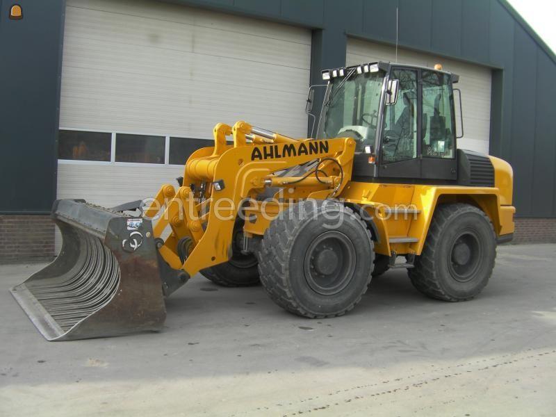 Wiellader / shovel Ahlmann AZ150E met schudbak