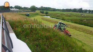 Tractor + schijvenmaaier Omgeving Sliedrecht