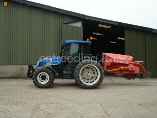 Tractor + greppelfrees NH TND 95A + Greppelfrees