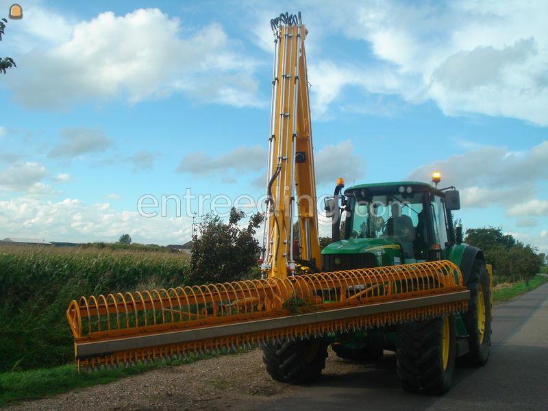 Tractor + slotenreiniger John Deere 6920 met Herder