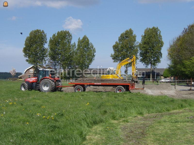 Tractor + plateauwagen MF + platewagen