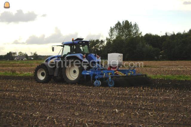 Tractor + zaaimachines New Holland + Smaragd