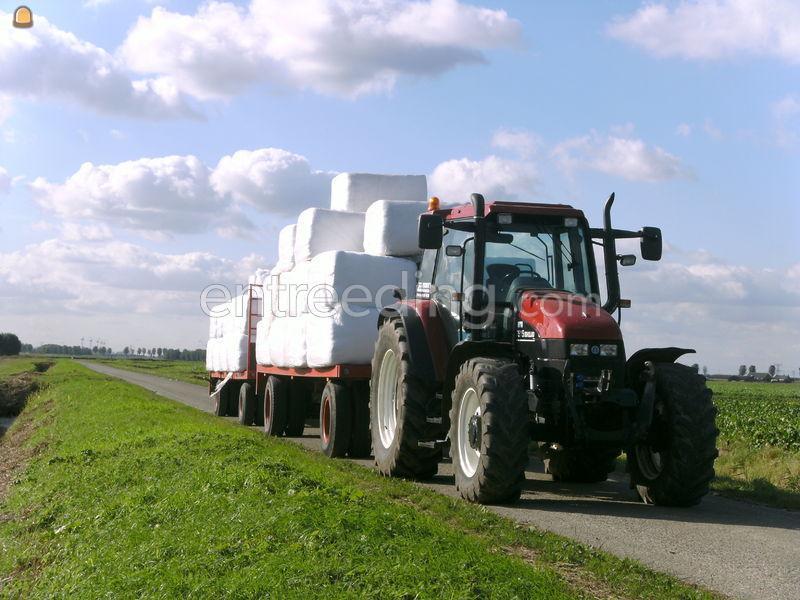 Tractor + plateauwagen Tractor + plateauwagen