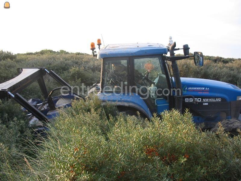 Tractor + bosfrees fae umh + newholland 8970