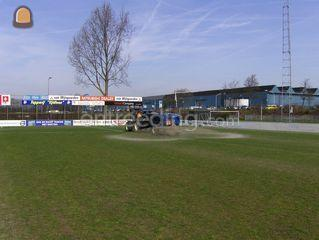 Tractor + schotelstrooier... Omgeving De IJsselsteden