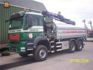 Kippervrachtauto te huur met bediening 150 for Vrachtwagen kipper met kraan