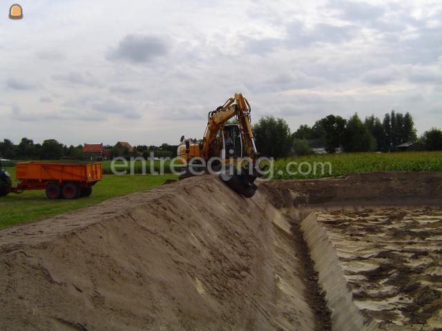 Projecten / werken Uitgraven van mestopslag