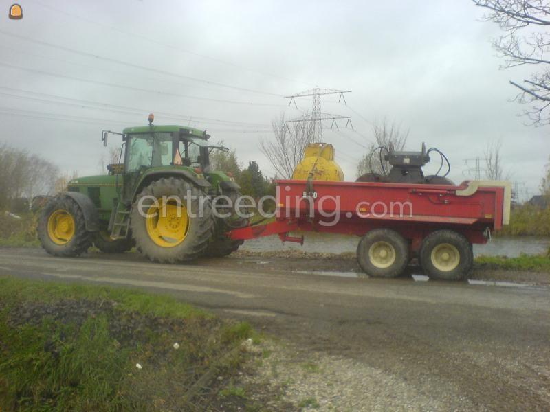 Tractor + kipper John Deere met Beco kipper