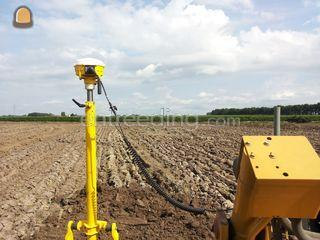 CAT D6T + Trimble 3D GPS ... Omgeving Tiel