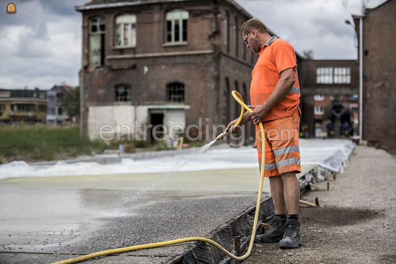 Uitwassen van betonverhardingen