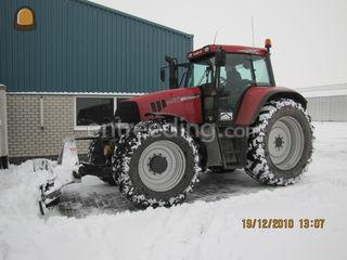 Tractor met grond/sneeuws... Omgeving Westland