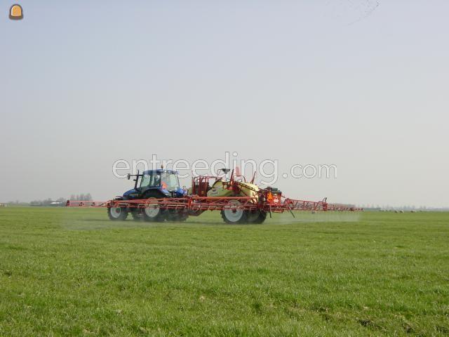 Tractor + spuit Hardy veldspuit